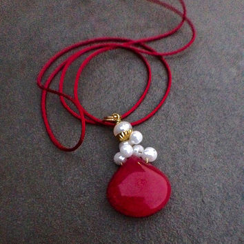 Jade charm necklace, silk cord necklace, silk rope, red, handmade, candy jade, glass pearl, pendant necklace, glass pearl, Boho, vintage