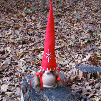 Swedish Tomte Gumma with Embroidered Red Star Hat / Scandinavian Christmas Tomte. Handmade by studioLISE.