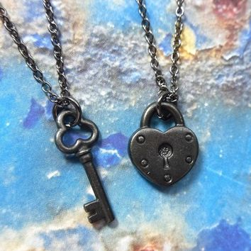 Priority Mail - Key to my heart necklace set - gothic romance - couples and lovers edition - two necklaces in black gunmetal