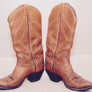 Tony Lama Western Boots Cowboy All Leather Light Brown Tan Color Vintage Pointed Toe 5055 Style Sized 6 B Angled Heel Made in USA Texas