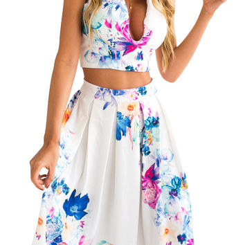 Floral Printed V-Neck Crop Top and Pleated Skirt