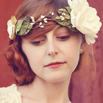 Bridal hair crown, Woodland flower crown, wedding head piece, rustic bridal wreath - MAGPIE