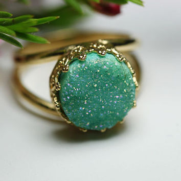 Round golden ring with mint druzy quartz. Bridal ring. Mint druzy quartz ring.10mm stone, Vintage ring, Cocktail ring, Bridesmaid gift