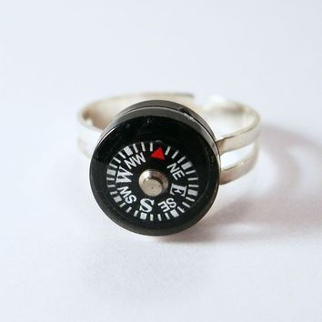 Where Are YOU - Small Black Liquid-Filled Compass Ring