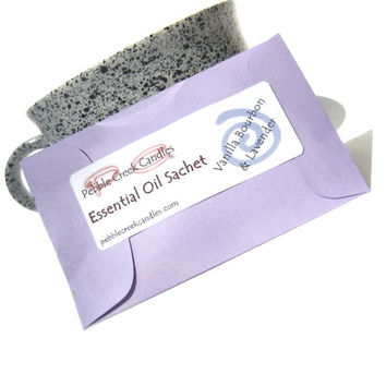 4 Lavender Vanilla Sachets With Essential Oil - Eco Friendly Drawer Sachets - Modern Candle Aromatherapy - Pastel Purple Minimalist