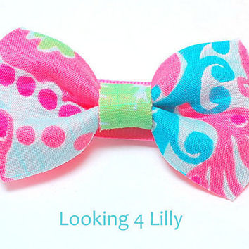 Fabric Hair Bow Made with Lilly Pulitzer fabric by looking4lilly