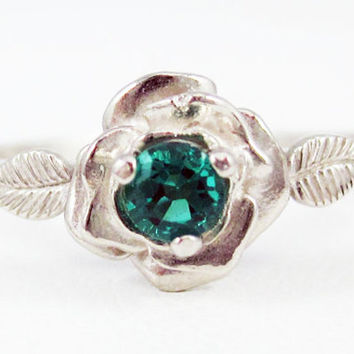 Emerald Rose Ring 14k White Gold, May Birthstone Ring, White Gold Ring, 14k Gold Rose Ring, Solid White Gold Ring, Emerald Ring
