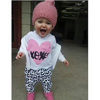 New 2016 cute baby girl clothes casual cotton pink heart long sleeve t-shirt + pants infant 2pcs suit baby girls clothing sets