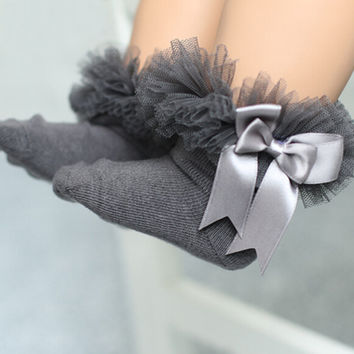Newborn Baby Socks For Baptism Christening 0-2Y Baby Girls Boys Ruffle Sock Black Lace Bow Decor Christmas Gift Baby Accessories