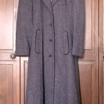 Long Wool Coat princess style midi coat vintage 70s grey tweed black velvet collar  fitted seams size 4 petite small Anthropologie style