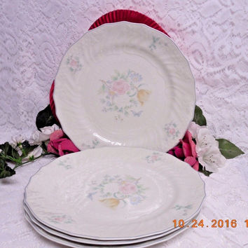 Royal Doulton China Dinnerware The Moselle Collection Valencia 4 Dinner plate