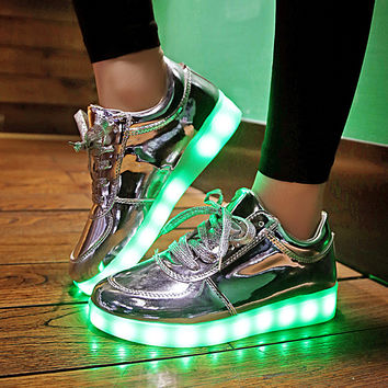 2016 Shining 11 Colors Luminous Sport LED Shoes men with Lighted for Adults Light Up Shoes led Women Glowing USB Charging Shoes