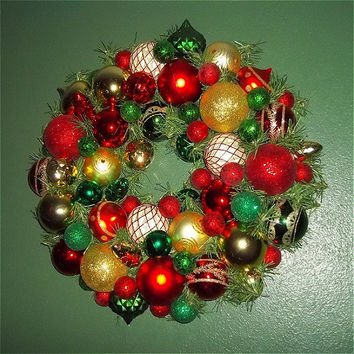 Beautiful Red, Green, Gold Traditional Christmas Ornament Wreath - Door - Picture - Unique - Trendy - Lovely - Gorgeous-Home Decor