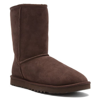 UGG® Australia Classic Short | Women's - Chocolate