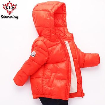 2017 New Boys Outwear&Coats Fashion Winter Kids Clothes Boys Girls Hooded Jackets Coats Keep Warm Boys Coats Girls Down Coats