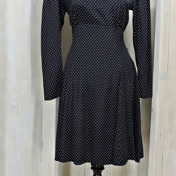 Vintage 80s secretary dress / Polka dot dress / size 8 / 9 / black white polka dot / baby doll / swing dress