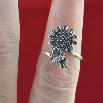 Sterling Silver bumble bee and sunflower adjustable Ring in sizes 6, 7, 8, 9