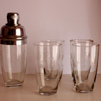 Set of 4 Crystal Glasses with Shaker, Handcraftet Vintage Crystals, 30's-40's Shaker and Glasses Set