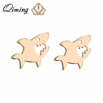 QIMING Female Small Shark Earrings Women Baby Jewelry Friends Gift Lovely Sea Animal Stud Earrings Cute Gold Silver Jewelry