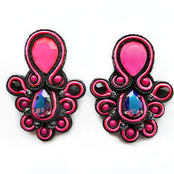 LYCHEE soutache earrings in neon pink with Swarovski stones. Free shipping!