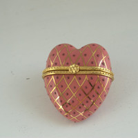 New in Box - Mary Kay Cosmetics Collectible Heart Shaped Trinket Box / Pink Porcelain Box - Shipping Included