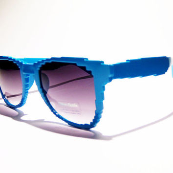 FREE SHIP usa! Pale blue pixel sunglasses / pixelated sunglasses / skater / surf style / beachwear / summer accessories / nostalgic / uv400