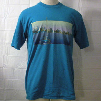 Vintage Amazing Soft 80s SEATTLE SKYLINE SAILING Lake Art Men Women Medium 50/50 Boat T-Shirt