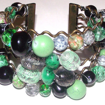 Chunky beads bangle bracelet in green