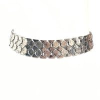 Chain On Links Choker In Silver