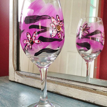 Cutomized glasses, Wine glass, hand painted, zebra print, floral, daisy