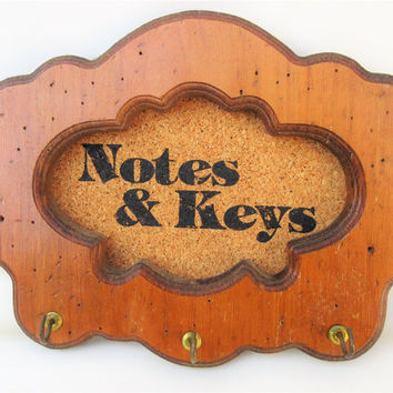 Vintage Wall Key Rack, Wood Key Holder for Wall, Cork Board, Hanging Hooks