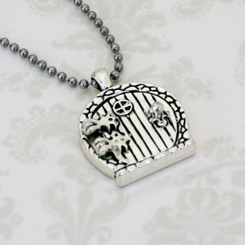 """Hobbit House Door """" Prayer Box """" Pendant Necklace - The Shire - Lord of the Rings Inspired - Hobiit  Bilbo Baggins - LOTR"""