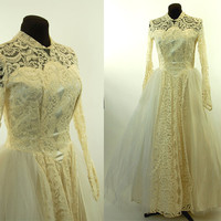 1950s wedding dress, satin and lace, peter pan collar, tulle skirt, ivory wedding dress, button back, long sleeve, Size M