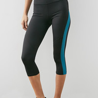 Mesh-Textured Workout Capri Leggings