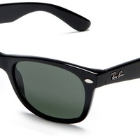 Ray-Ban RB 2132 901 52 Unisex Wayfarer Shiny Black Plastic Frame Green Lenses Sunglasses