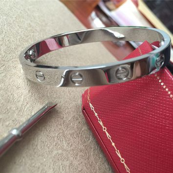 One-nice? Love Cartier Series -(size 17)Bracelet in 18k White Gold & Screwdriver
