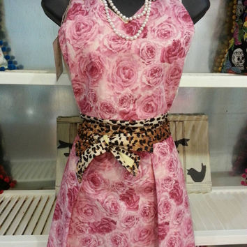 Vintage Inspired Pin-Up Girl Apron  With pink roses and Leopard Ties.