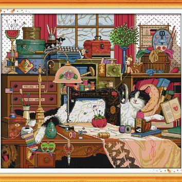 The cat and sewing machine Animal cross stitch kits 14ct white 11ct printed embroidery DIY handmade needle work wall home decor