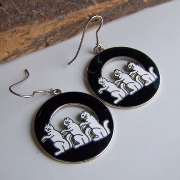 Etsy, Etsy Jewelry, Vintage Earrings, Vintage Cat Earrings, Black and White Cat Earrings, Vintage Hoop Earirngs, Enamel Earrings