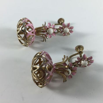 Vintage Retro Costume Jewelry Pink White Enamel Painted Flower Gold Toned Hanging Clip On Earrings