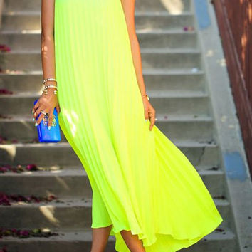 Off-The-Shoulder Solid Color Pleated Maxi Dress