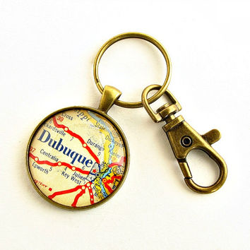 Dubuque Map Keychain / Dubuque Iowa / Gifts under 25 / Gifts for Men / Gift for Uncle / Son in Law Gifts / Small Christmas Gifts for Him