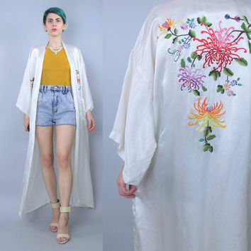 Vintage Silk Kimono Asian Floral Embroidered Kimono Ivory Cream Silk Robe Vintage Chinese Robe Bohemian Festival Belted Dressing Gown (L/XL)