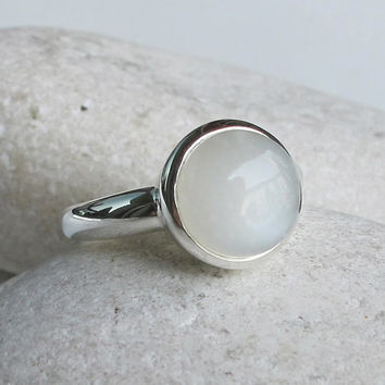 Round White Moonstone Ring- June Birthstone Ring- White Gemstone Ring- Promise Ring- Bridal Ring-White Ring