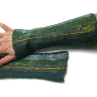 Felted wrist warmers - felt gloves - 2015 fashion - dark green