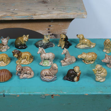 Wade Whimsies Lot of 17 Figurines • Red Rose Tea • Foxes Dogs Lions Giraffe Zebra Squirrels Hedgehog Fawn Hippo Boar