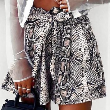 8DESS Sexy snake print shorts women Sash high elastic waist casual shorts Vintage streetwear fashion short