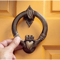Claddagh Authentic Foundry Iron Doorknocker - SP27007                    - Design Toscano