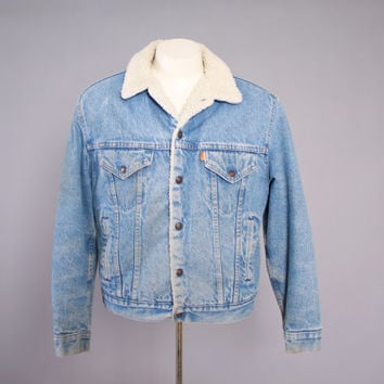 70s Men's LEVI'S JEAN JACKET / 1970s Stone Wash Light Blue Sherpa Lined Trucker Jacket M