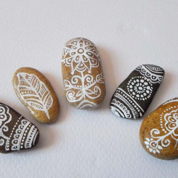 Beach Pebbles Art, Miniature Boho Home decor, Office Gifts, Collectible Stones, Hand Painted Stones, Shabby chic pebbles, Rustic House decor